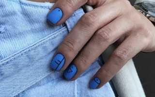 Маникюр на короткие ногти к синему платью – актуальный нейл-арт для дополненного образа