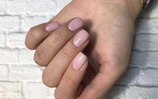 Маникюр в нюдовых тонах на короткие ногти
