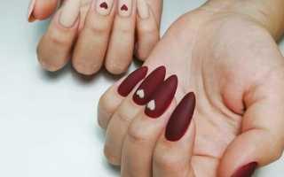 Матовый маникюр на длинные ногти миндалевидной формы