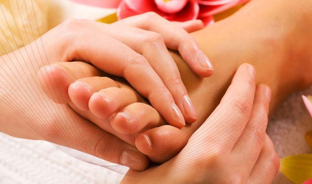 Виды массажа ног при педикюре