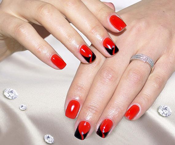 Дизайн коротких ногтей в красных тонах