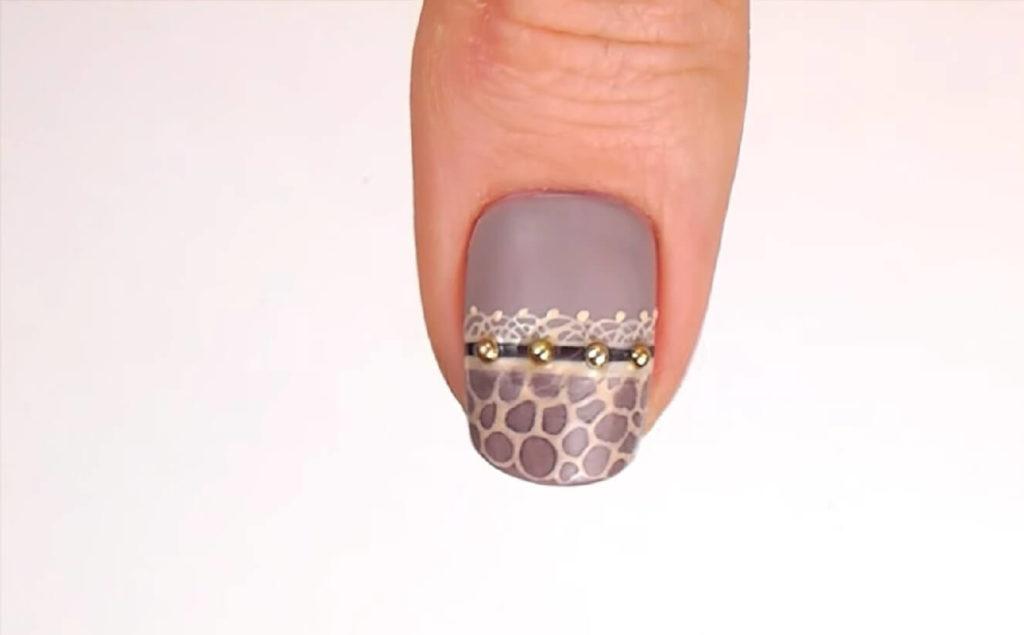 Поперечный вариант дизайна ногтя