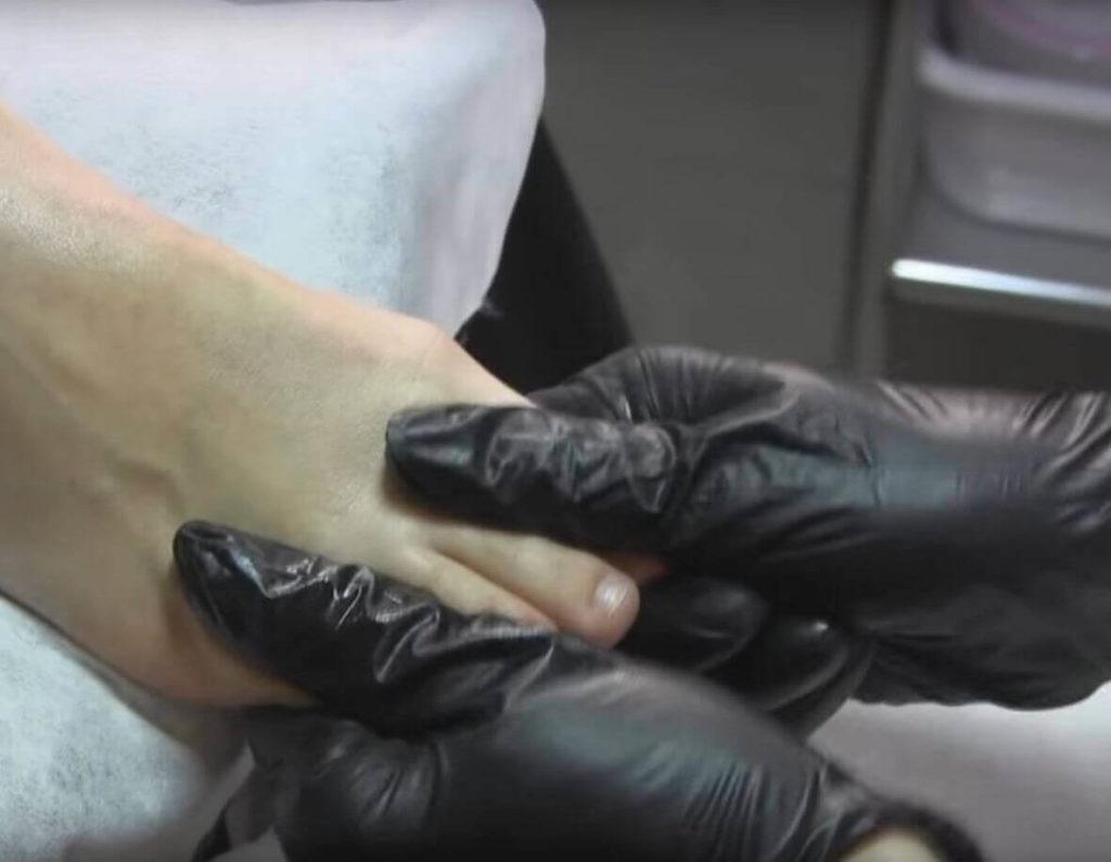 Разминание суставов пальцев