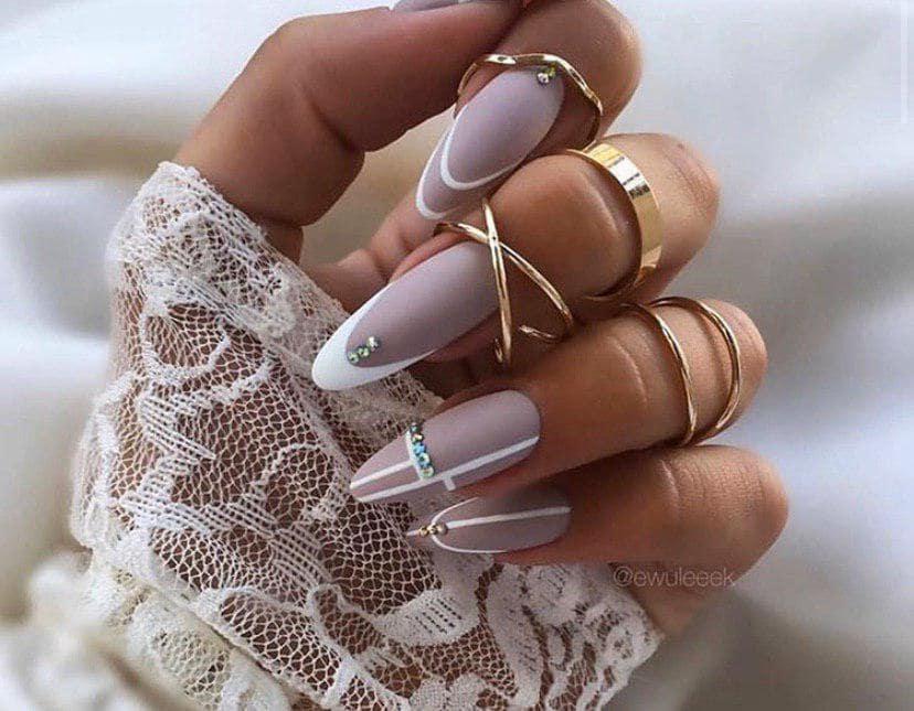 Дизайн на овальных ногтях