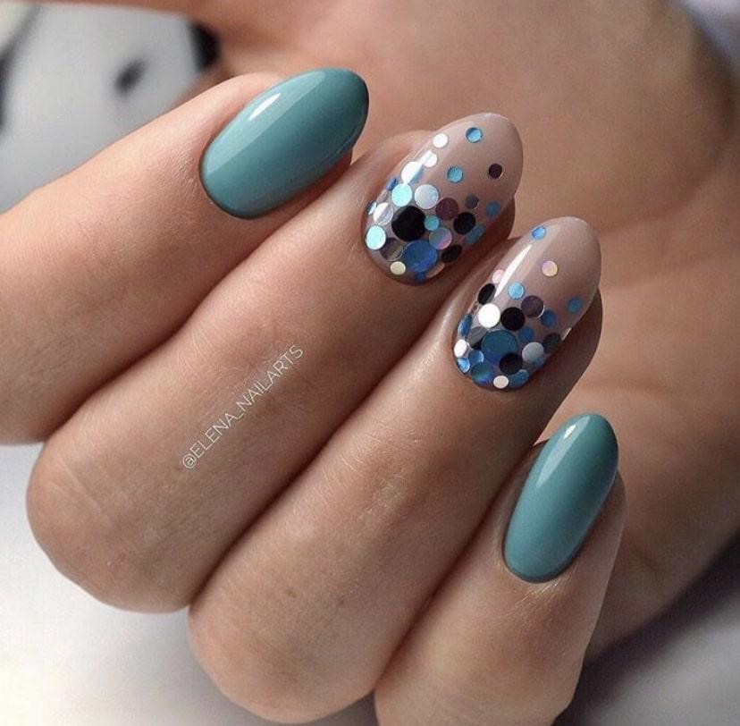 Дизайн ногтей фигурками камифубуки