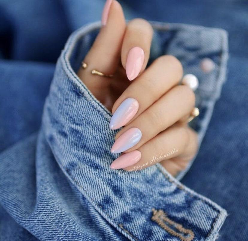 Длинные ногти миндалевидной формы в технике градиент