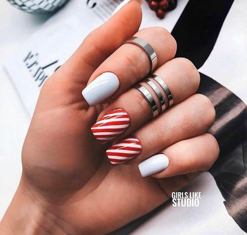 Маникюр на зиму на новый год дизайн конфетки на квадратных ногтях