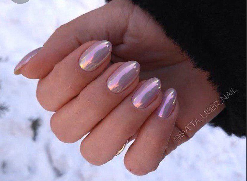 Маникюр с втиркой нежно-розового цвета на коротких овальных ногтях