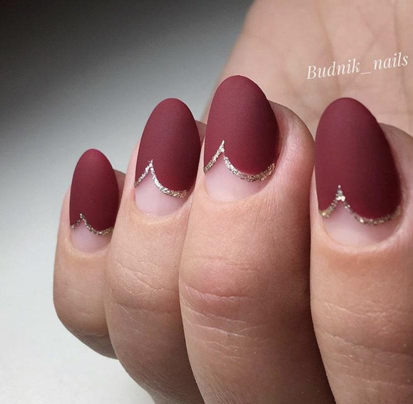 Матовый маникюр на коротких ногтях