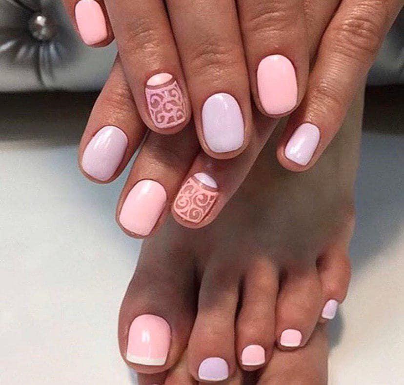 Модный графический дизайн ногтей