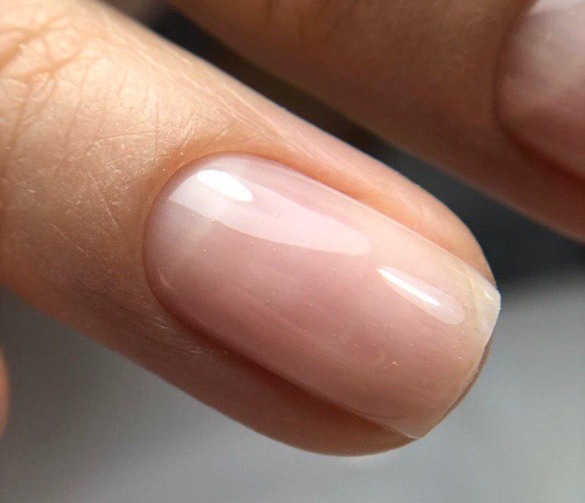 Ровная ногтевая пластина выровненная базой