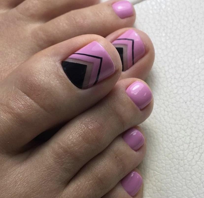 педикюр дизайн розовый с черным