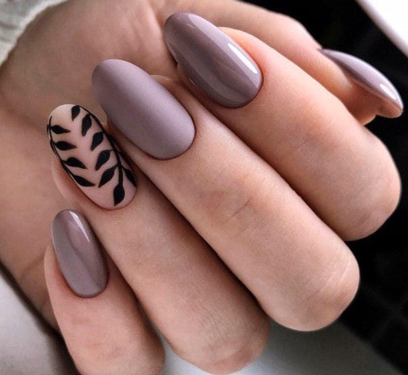 Стемпинг на ногтях осенний