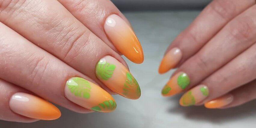 Заливной рисунок аэрографом на ногтях