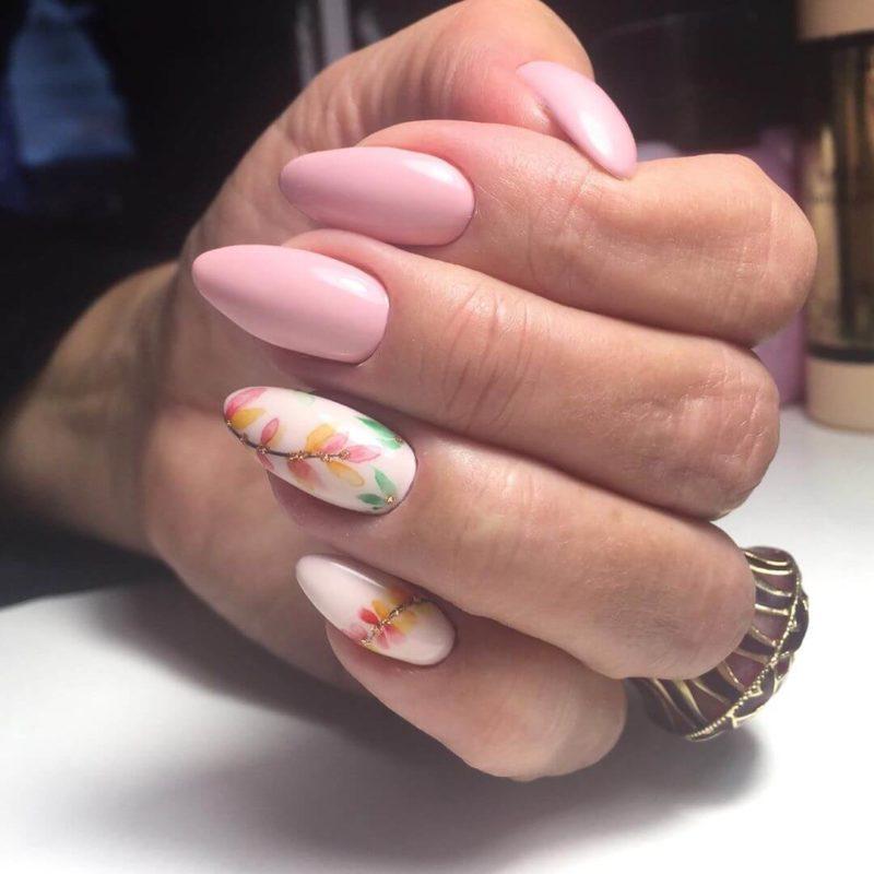 Акварельная роспись розовым на длинные ногти