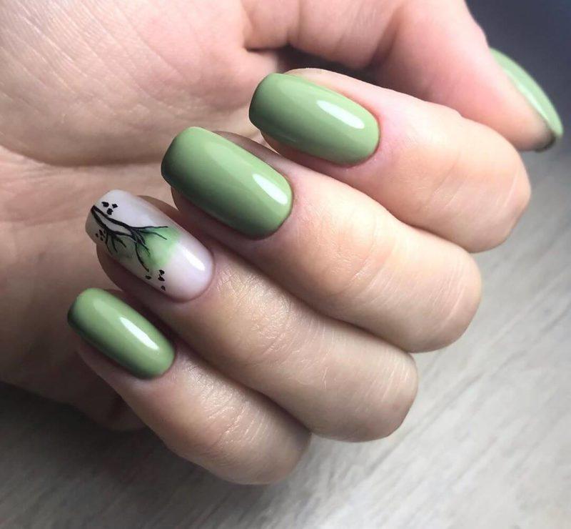 Акварельная роспись зеленым на длинные ногти