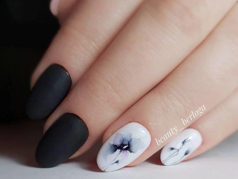 Акварельная роспись с матовым топом на короткие ногти
