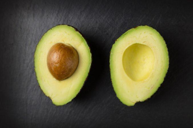 Антивозрастная маска с авокадо
