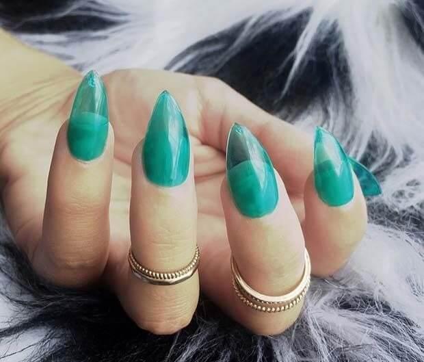 Бирюзовые прозрачные ногти