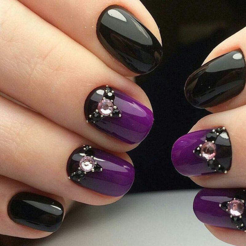 Черно-фиолетовый градиент на коротких ногтях