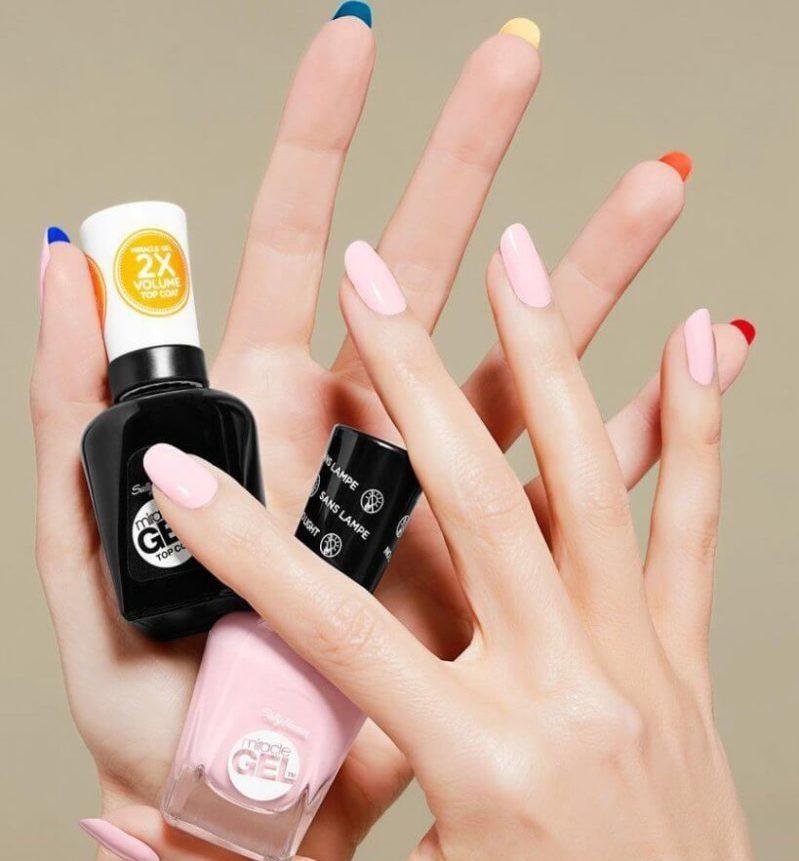 Цветной лабутен-маникюр на короткие ногти