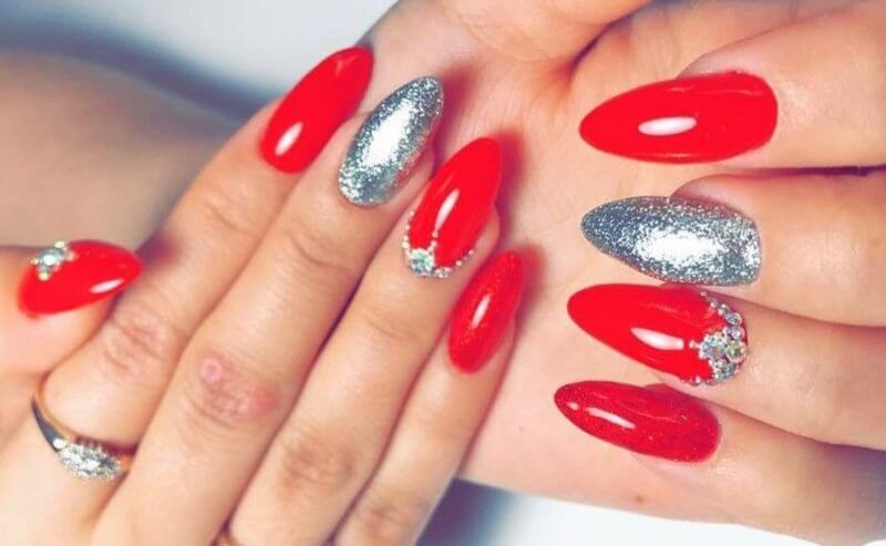 Красно-серебряные ногти