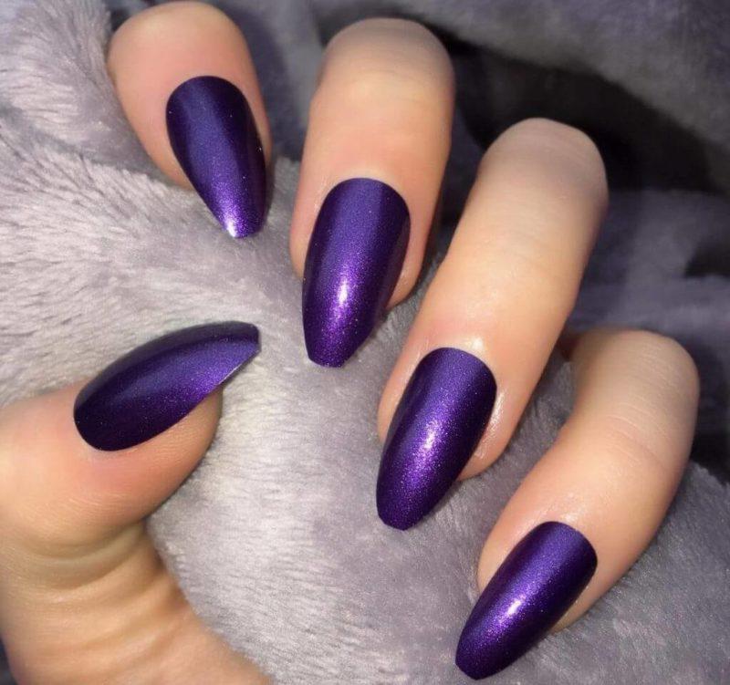 Фиолетовый маникюр с металликом