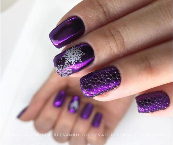 Фиолетовый пузырьковый маникюр