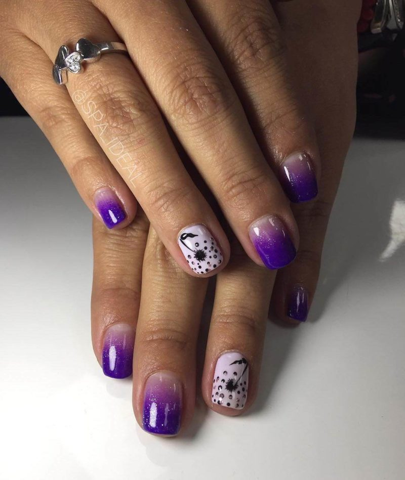 Фиолетовый градиент на коротких ногтях