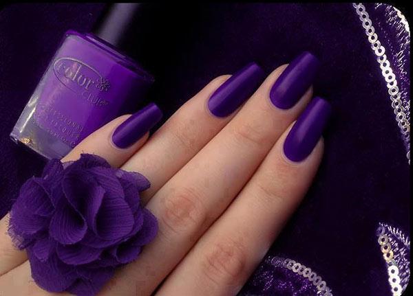 Фото нарощенных ногтей, покрытых лаком