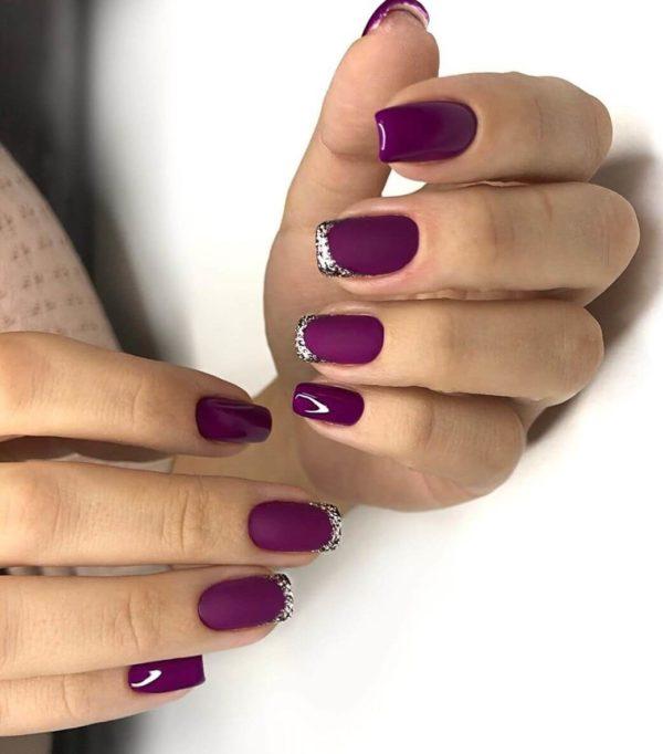 Фиолетовый маникюр френч с блестками