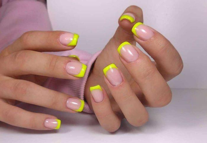 Желтый нюдовый френч