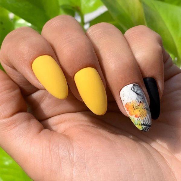 Желтый осенний маникюр