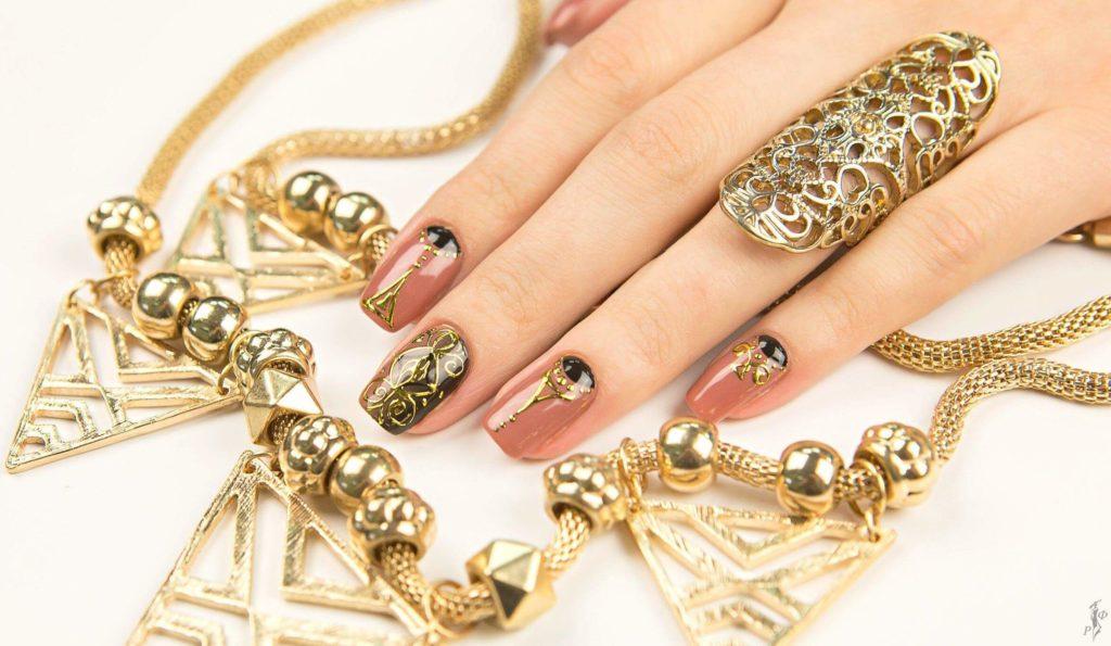 Пример дизайна с золотом