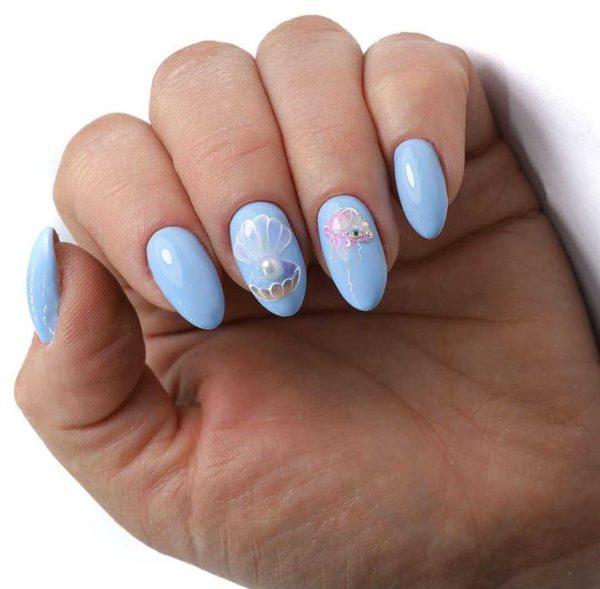 Голубой маникюр с жемчугом на длинные ногти