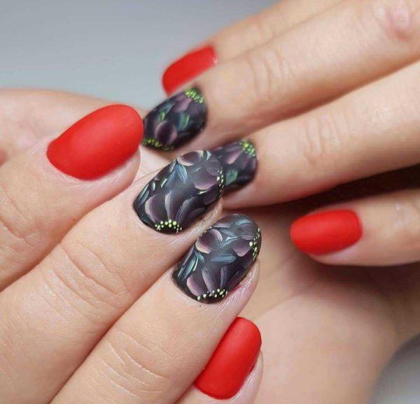 Жостовская роспись на ногти красного цвета