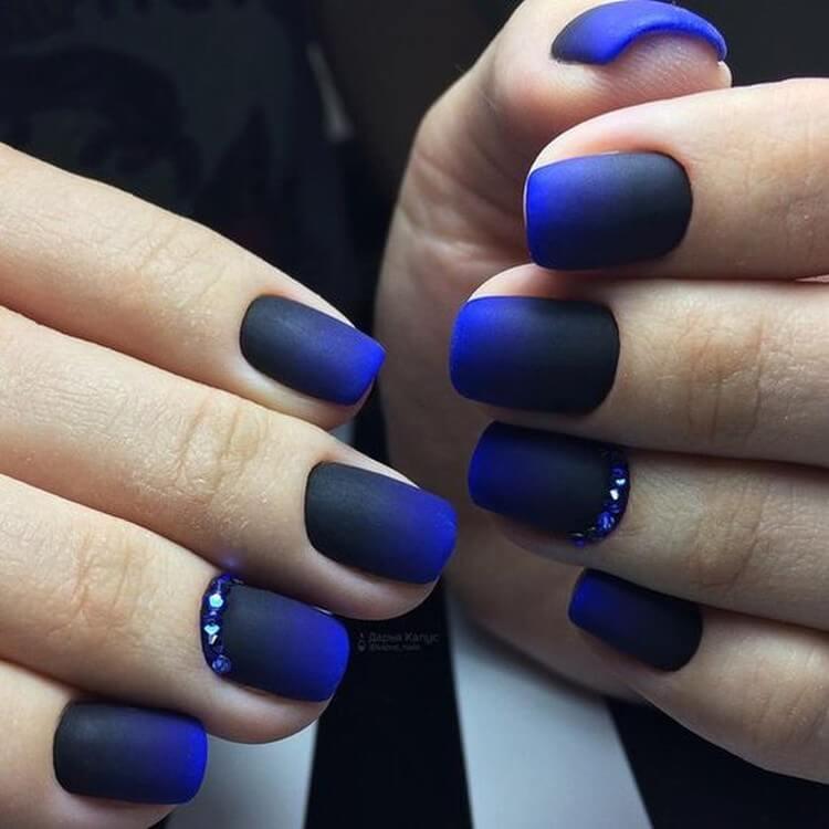 Градиент черный с синим