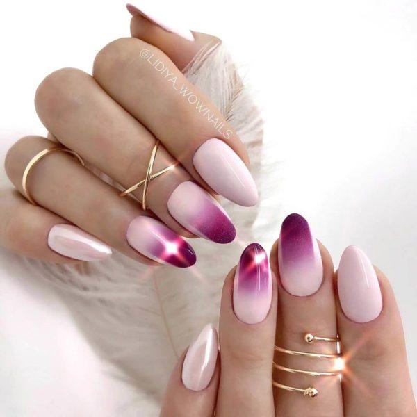 Розовый градиент на длинные ногти