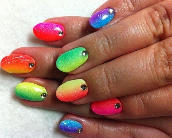 фото градиентного маникюра - радуга