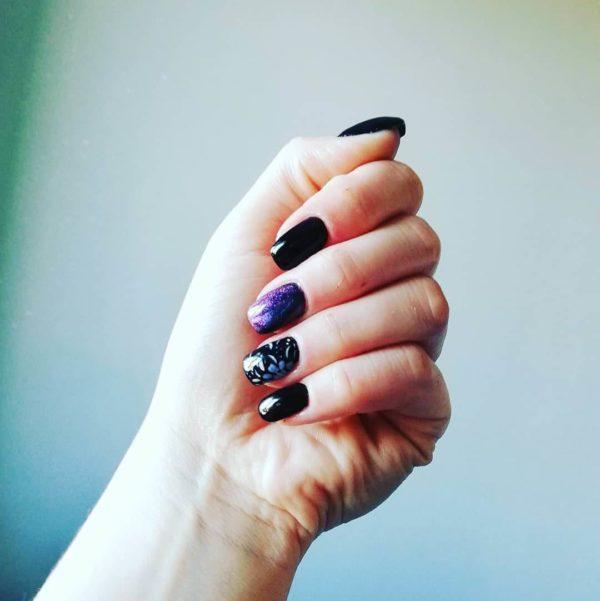 Идея жостовской росписи на короткие ногти