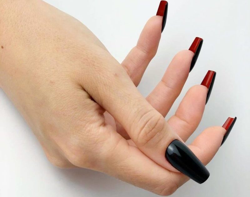 Лабутен-маникюр на квадратные ногти