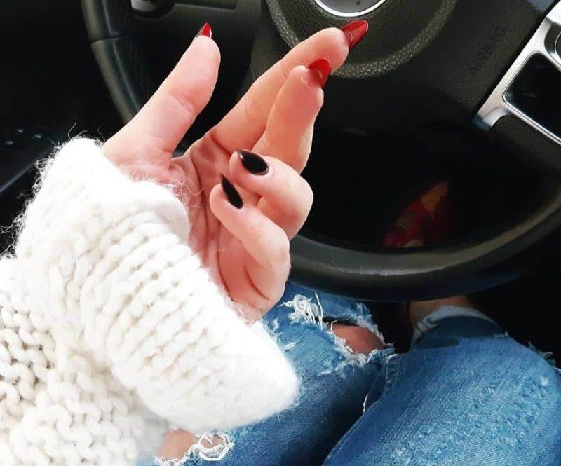Лабутен-маникюр на овальные ногти