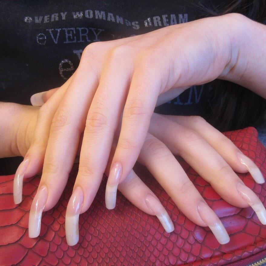 Клюющие ногти
