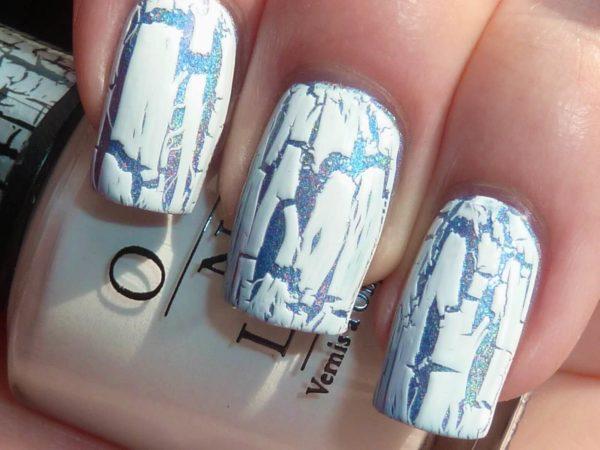 Белый кракелюр на длинные ногти