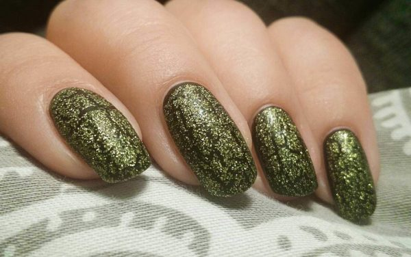 Золотой кракелюр на длинные ногти