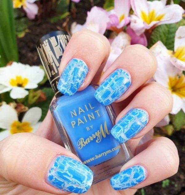 Голубой кракелюр на длинные ногти