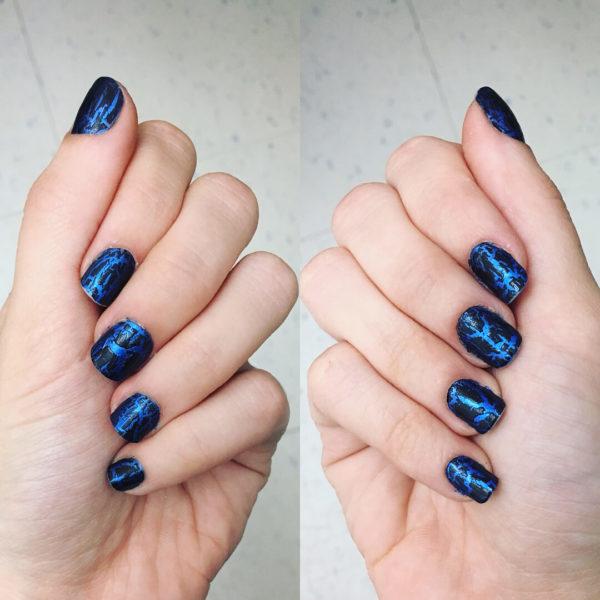 Синий кракелюр на короткие ногти