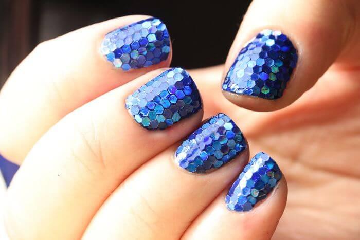 Крупные синие блестки