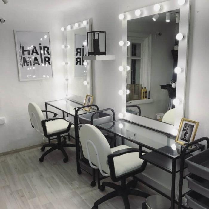 Освещение лампами зоны парикмахера