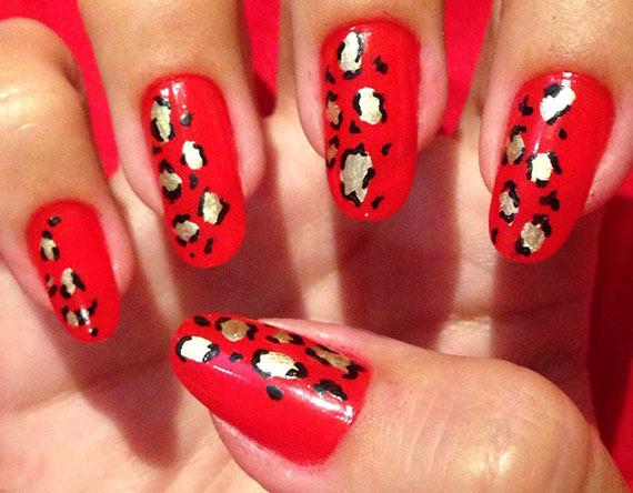 Леопардовый маникюр в красным цвете